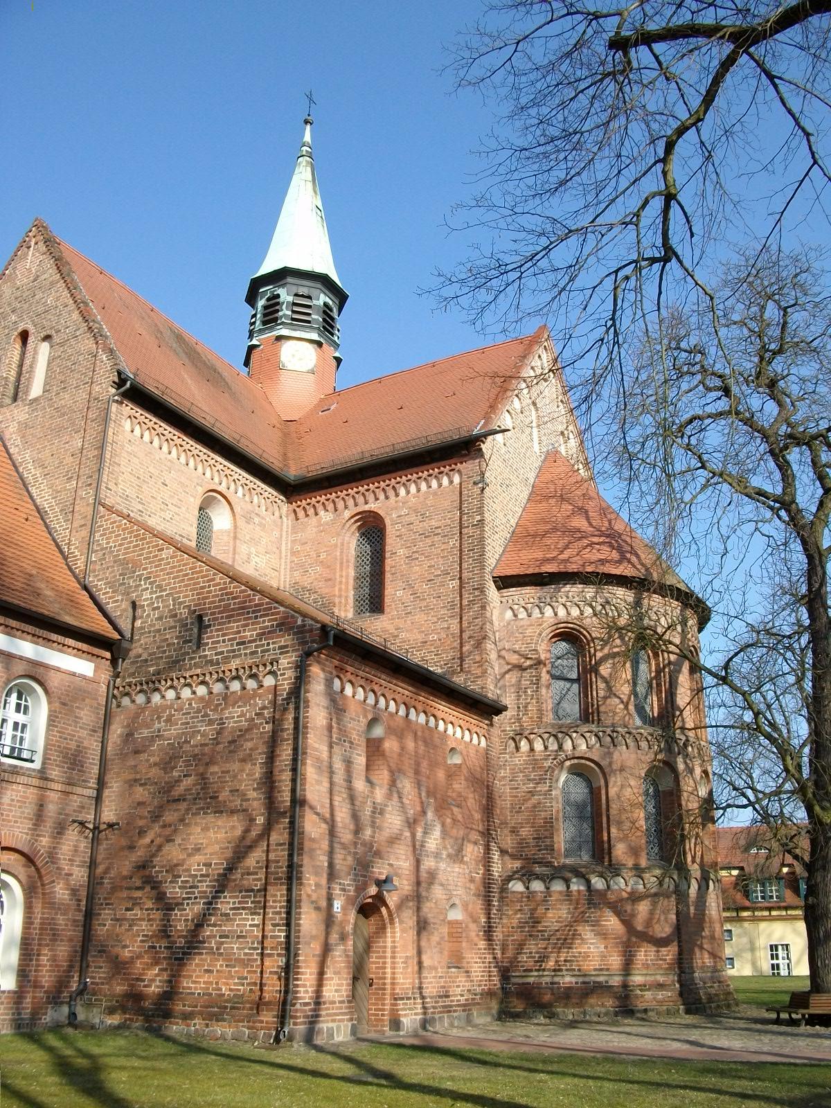 Klosterkirche St. Marien, Vierung und Apsis von außen